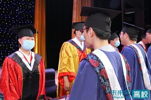 云端相聚 承德医学院2020届毕业典礼暨学位授予仪式举行