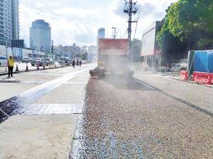 昆明道路提升改造使用新技术 金碧路铺上静音沥青