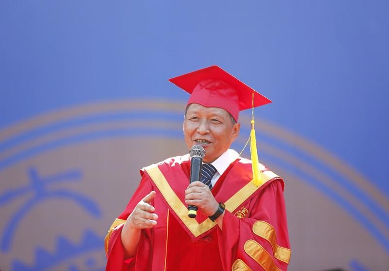 西安交通大学校长王树国毕业典礼讲话:家国情怀是支撑你们一生发展的精神动力