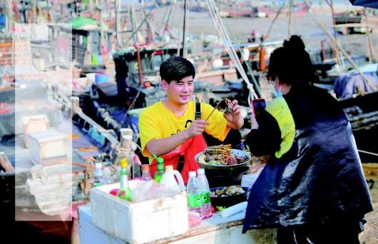 """苏北滨海小镇三千主播一年带货五十亿元渔网""""接上""""互联网"""