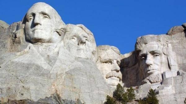 种族问题再引争议 美国多地人物雕塑陷入拆除风波