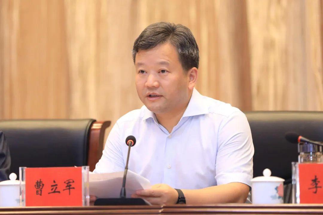 [摩天娱乐]湖南70后市长跨省摩天娱乐晋升图片