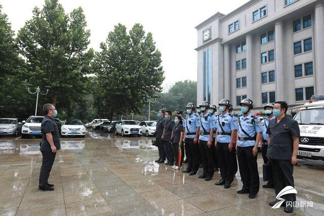 """济南中院清场一""""在建工程""""遇身份不明人员聚集 20多名干警强制交付"""