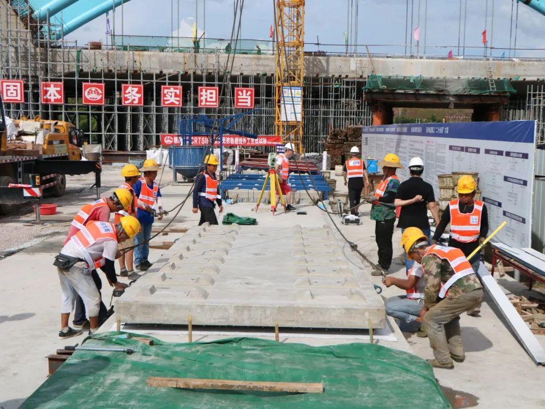 赣深铁路项目又有新进展!施工即将进入线上铺板大干高潮