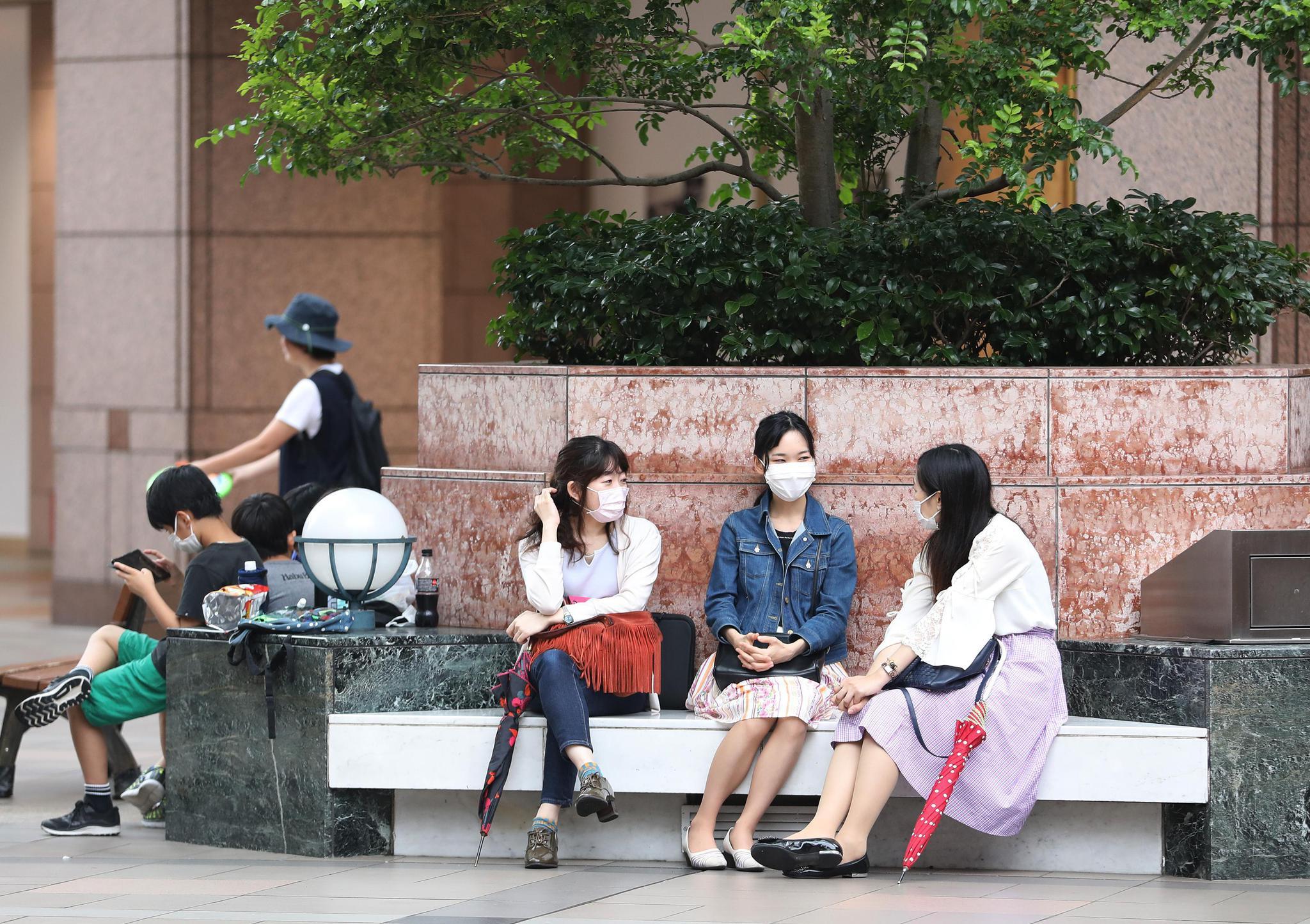 调查显示日本夫妻希望早些婚育