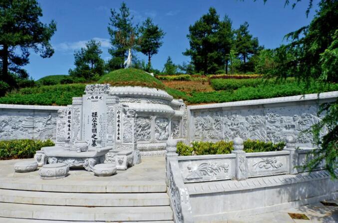 """贵州村民""""涉恶犯罪集团""""背后的墓地生意"""
