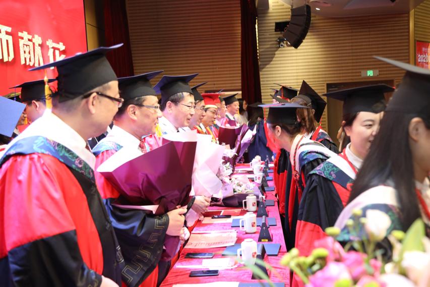 上海交通大学医学院2020届毕业典礼隆重举行  上海-渥太华联合医学院送出首批毕业生