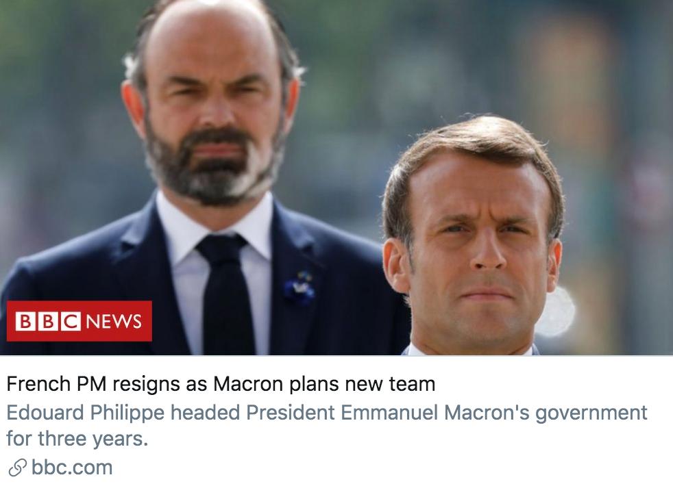 法国总理卸任,马克龙计划重组政府。/ BBC报道截图