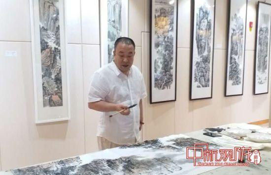 武林生中国画作品展在兰州开展 笔绘北国山川胜景