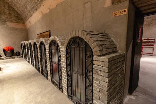 旧时小暑如何解暑?民俗专家介绍京城三大皇室冰窖图片