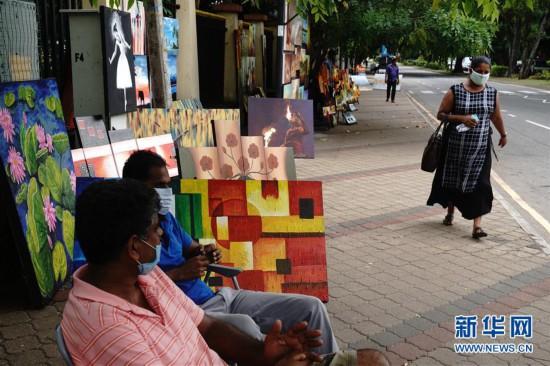 """科伦坡""""绿径""""街头艺术画廊开张"""