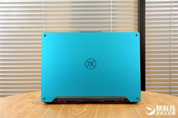 首发AMD锐龙9处理器 华硕天选游戏本元气蓝开箱图赏