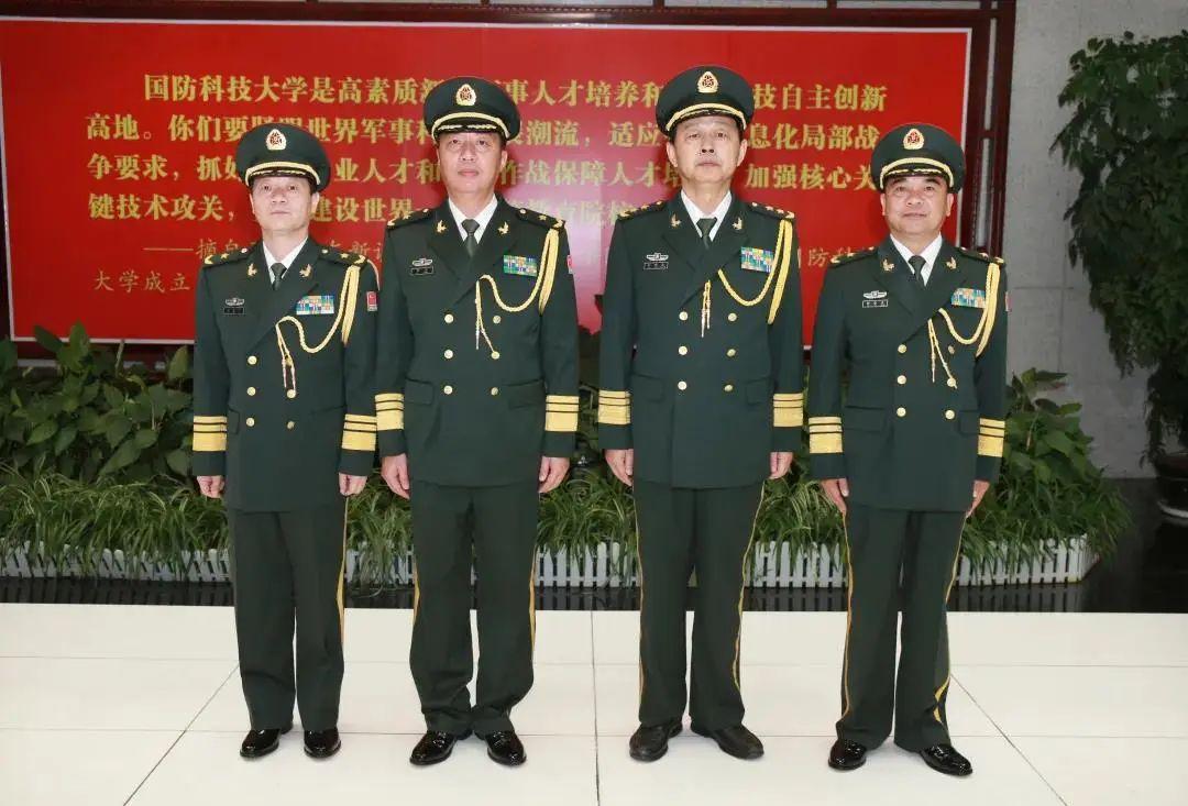 杏悦中央军委批准这两人晋升杏悦少将图片
