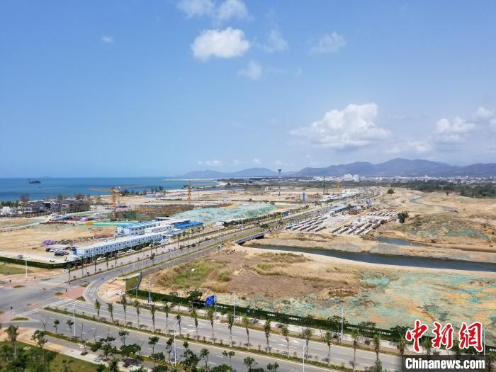 海南三亚两个自贸港园区上半年新注册企业308家