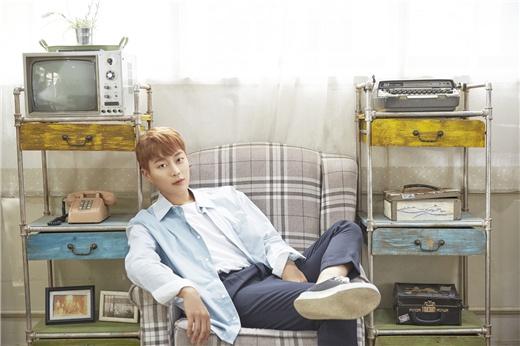 尹斗俊将于27日以SOLO歌手出道 扎实唱功与魅力音色令粉丝期待