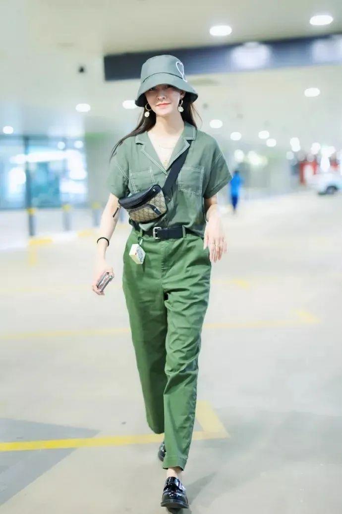 刘雯迪丽热巴都是渔夫帽的重度爱好者 遮阳又时髦