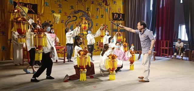 五丑+四美,风雷京剧团这出戏创新不忘留着京剧的核