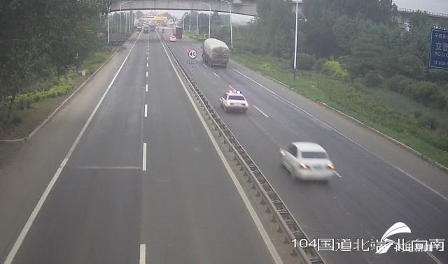 宁阳交警护送重伤男童到泰安急救,不到半小时穿越近30公里车流密集路段