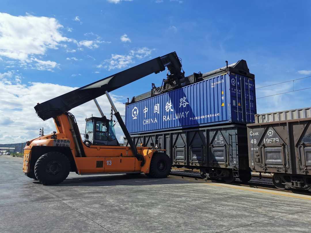 上半年云南铁路发送货物2847万吨, 集装箱运输同比增长12.6%