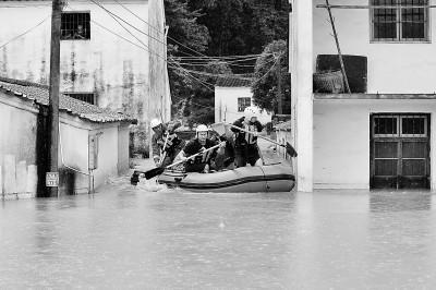 多地启动防汛应急响应全力保障人民生命安全