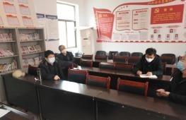 武乡县水利局主要负责人及技术人员到石圪垤调研(石圪垤村供图)