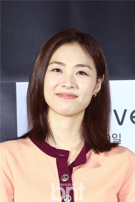 演员李沇熹婚后首次亮相公开场合:虽然没变化但是很紧张