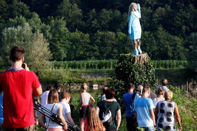 美国第一夫人梅拉尼娅·特朗普雕像在斯洛文尼亚被烧毁