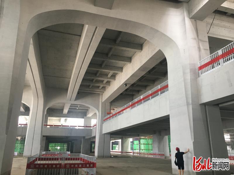 京雄城际雄安高铁站清水混凝土工程基本完工