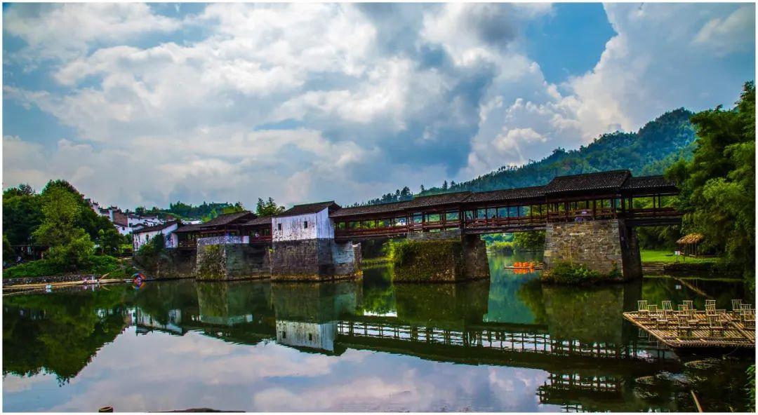 江西婺源八百年彩虹桥被洪水冲垮?官方:部分桥面损毁图片