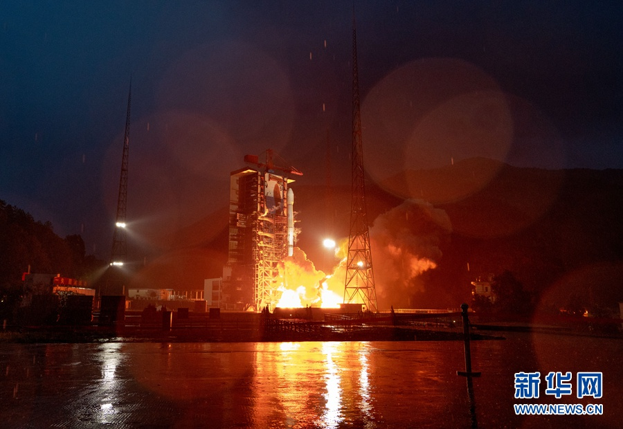 亚太6D卫星发射成功 刷新国内同类通信卫星多项纪录图片
