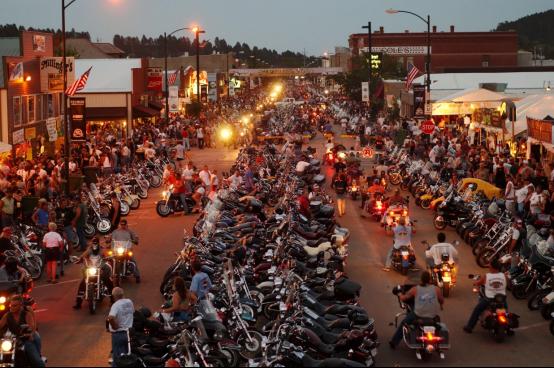 避免病毒传播,美印第安族将阻止游客参加摩托车集会