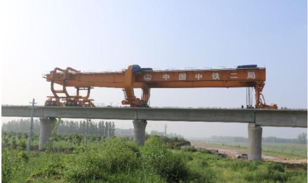 工期提前11天 鲁南高铁嘉祥制梁场617孔箱梁架设完成