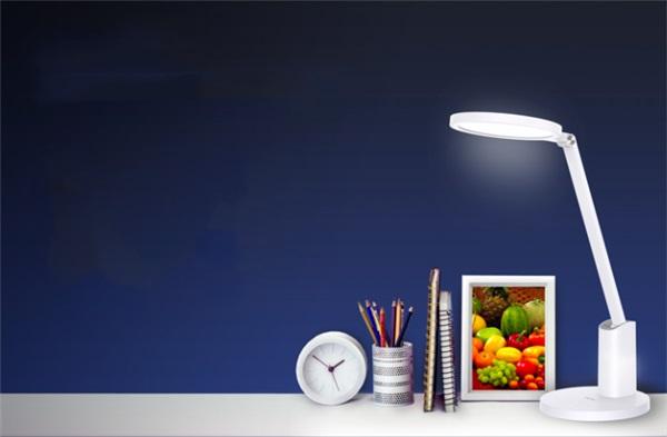 华为智选智能台灯 2 即将预售:国 AA 级光照,360° 超广角照明