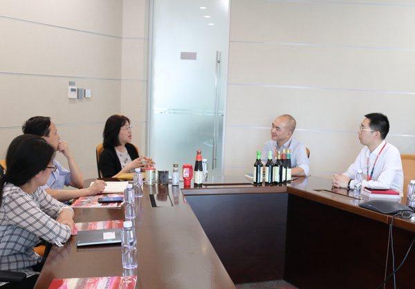 上海市消费者权益保护委员会走访李锦记大厦