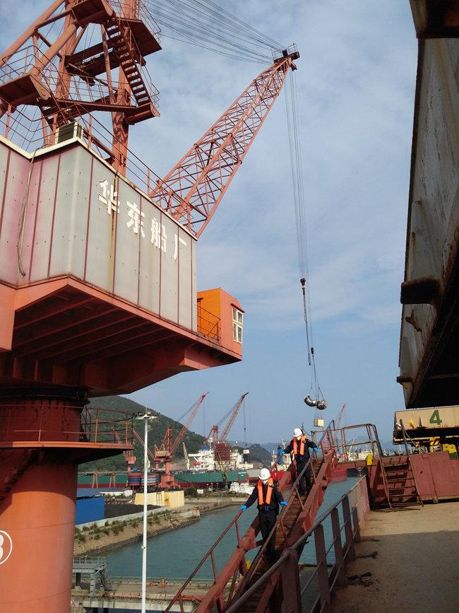 榕城海关防好疫情、做好服务 助力国际船舶维修企业发展