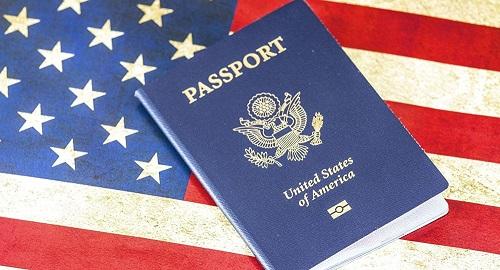 美媒:放弃美国国籍人数再创新高 今年上半年多达6000美国人告别霸气小护照