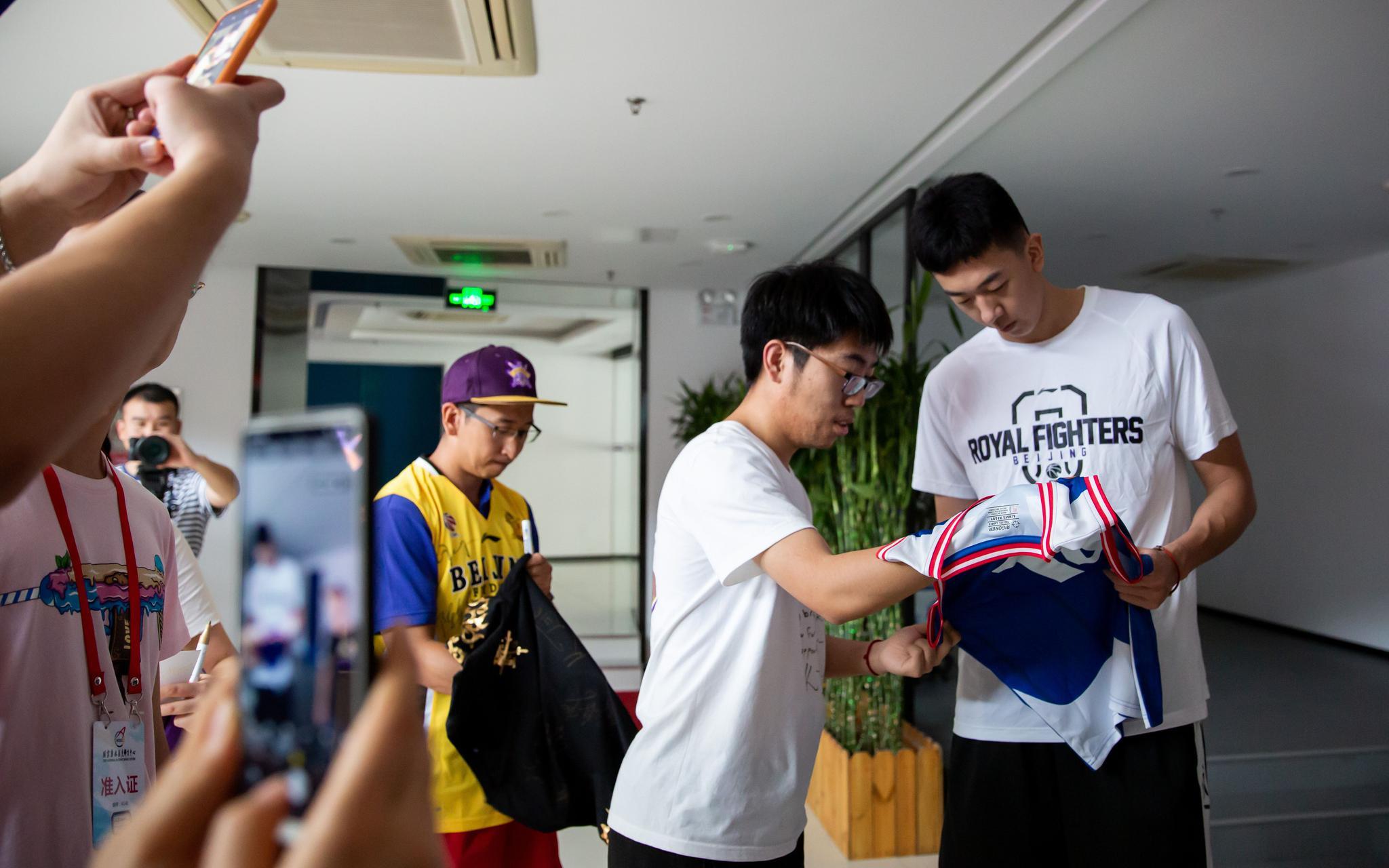 专访 王少杰复盘新秀赛季:成长路上幸运遇见马布里