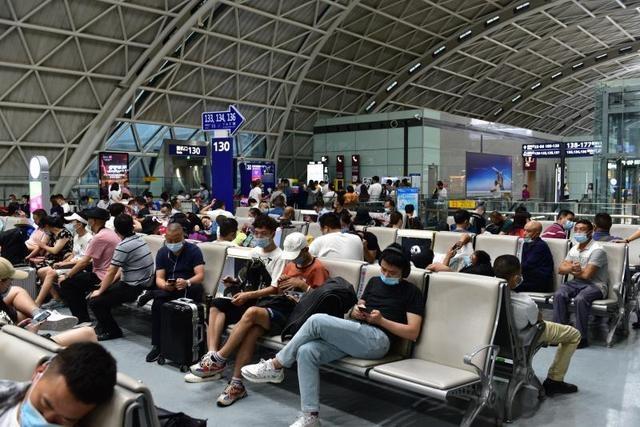 解除黄色预警 双流机场今取消航班共165个