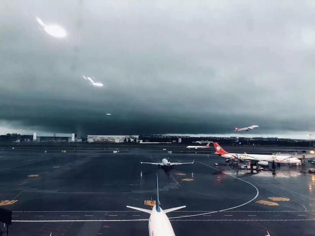 双流机场解除大面积航班延误黄色预警