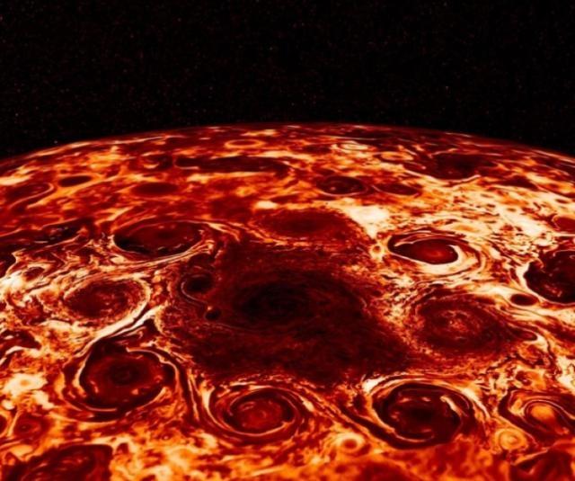 谁不小心把自己的午饭发网上了?NASA:这其实是木星北极的照片