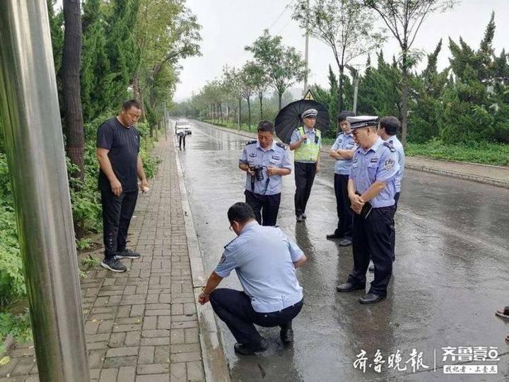 大雨中,骑电动车老人被撞身亡,车上还带着俩娃!逃逸肇事者被抓