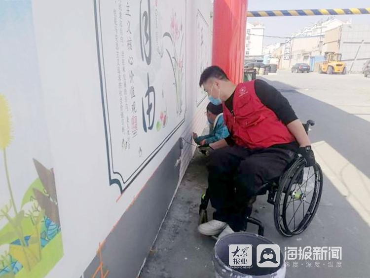 """莱西""""轮椅哥""""王忠文公益路上""""奔跑""""追梦"""