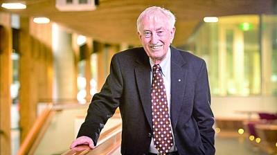诺贝尔生理学或医学奖获得者:抗疫需要科学理性,更需要全球合作