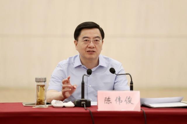 陈伟俊在市委全面深化改革委员会第八次会议上强调:发挥改革的突破先导作用 以改革固