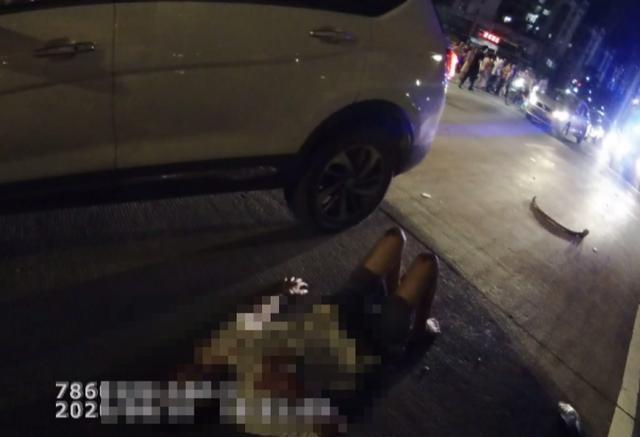 钦州市男司机驾车分神看手机 2名老人斑马线上被撞身亡