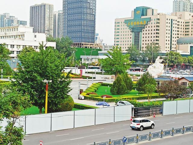 太原五一广场实施封闭改造