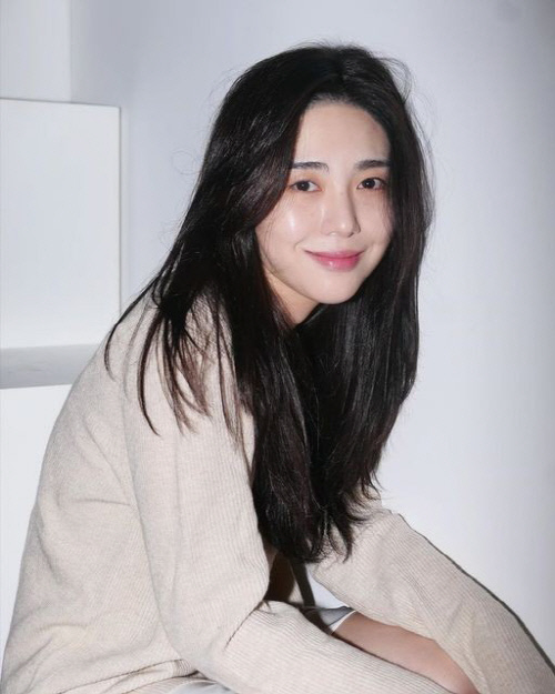 AOA前成员权珉娥就此前过激行为致歉 将认真接受治疗