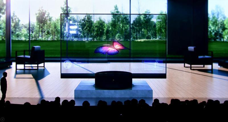 """雷军""""演讲首秀""""带货49999元透明电视:小米未来策略""""互联网+制造"""""""