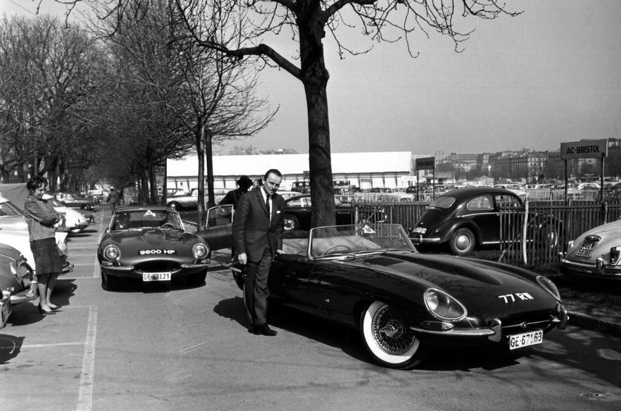"""为纪念旗下经典车型E-Type跑车的60岁生日,捷豹推出限量""""60版"""" 改装车"""