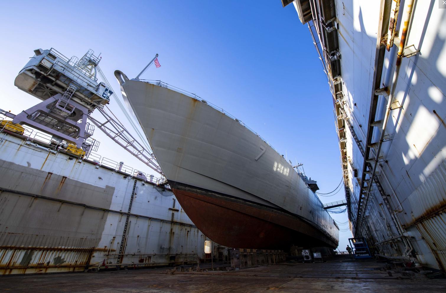 """美国海军:造军舰亟需""""新冠疫情补贴"""""""
